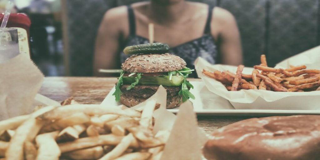 Unohda hampurilaiset ja ranskalaiset, jos haluat päästä ketoosiin